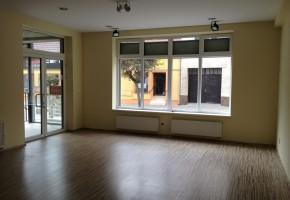Krásny komerčný priestor v centre Pezinka – PREDAJ !!!